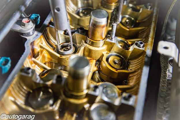 замена сальников клапанов и чистка каналов масляной системы